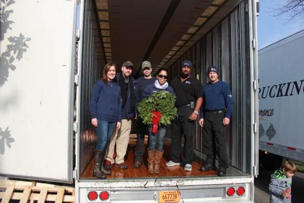 Wreaths Across America 2014